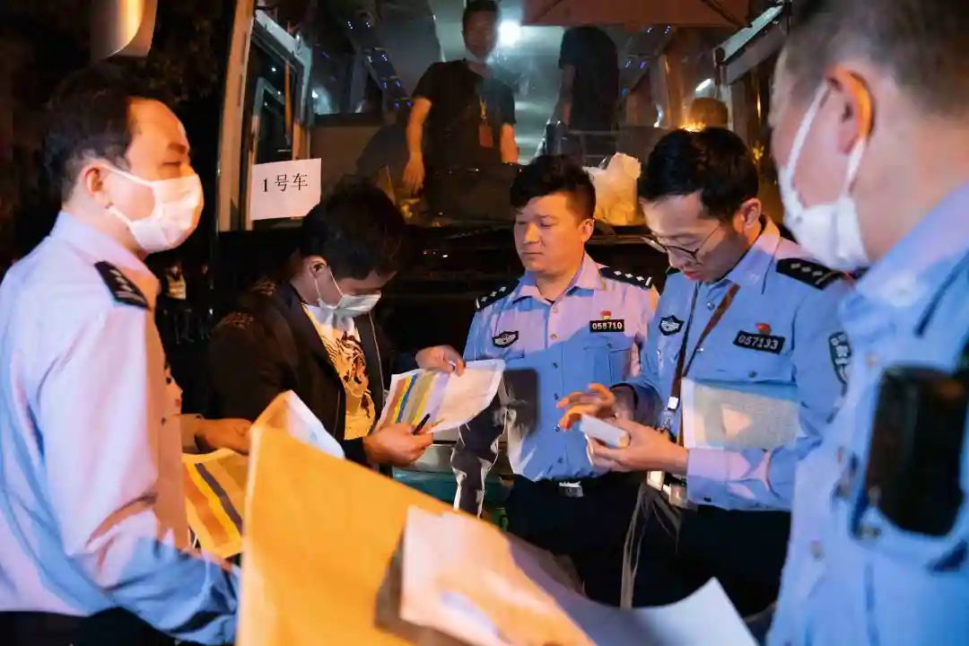 阿玛尼公司上海公司_上海侦查公司_美国电话电报公司 上海公司