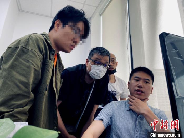上海市公安局经侦总队依托智慧公安建设成果,对外汇保证金交易领域风险进行分析,挖掘出沪市多家非法从事外汇保证金交易的公司。(上海警方供图) 李姝徵 摄